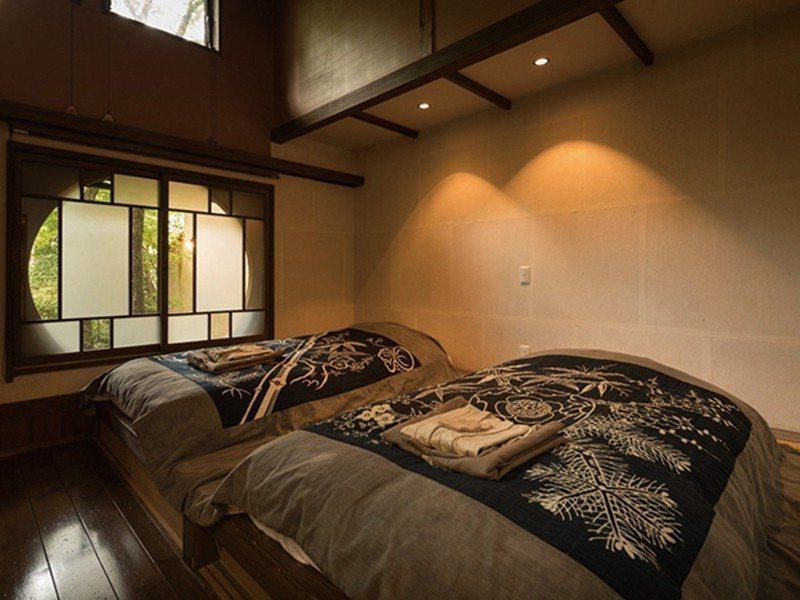 去除高低差的和室,空間十分寬敞。