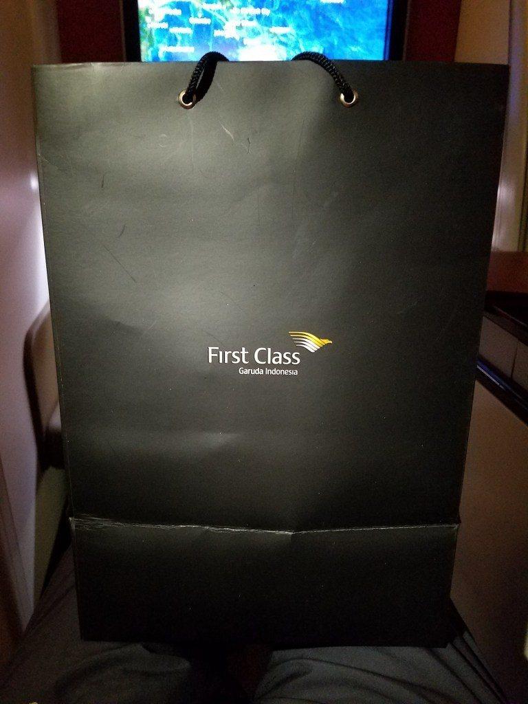 頭等艙乘客才有的提袋。圖文來自於:TripPlus