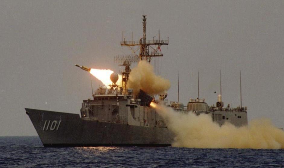 增程型雄三就是現役雄三反艦飛彈的拉長加大版,射程加長,要部署成為海基型,載台必須...