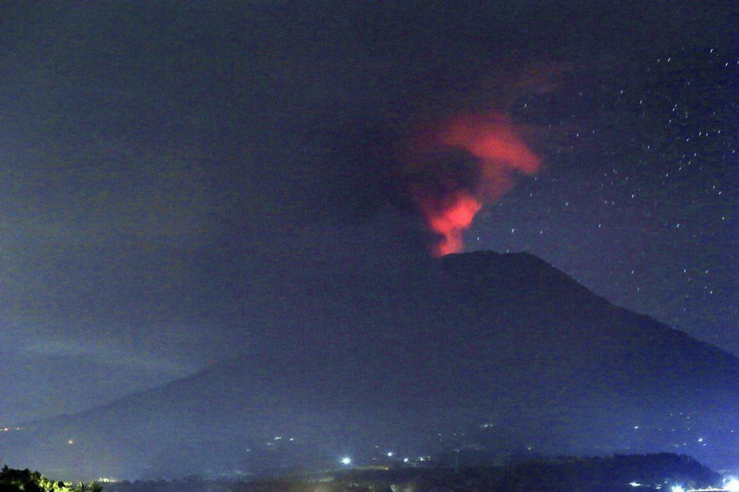 影/峇里島阿貢火山活動頻繁 當局憂心即將大爆發