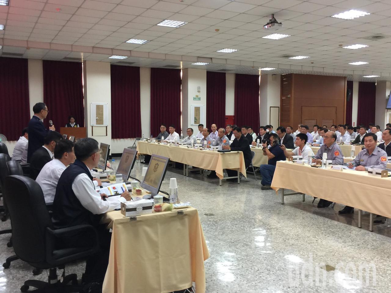 雲嘉南分區治安會議今天在台南市警察局舉行。記者吳政修/攝影