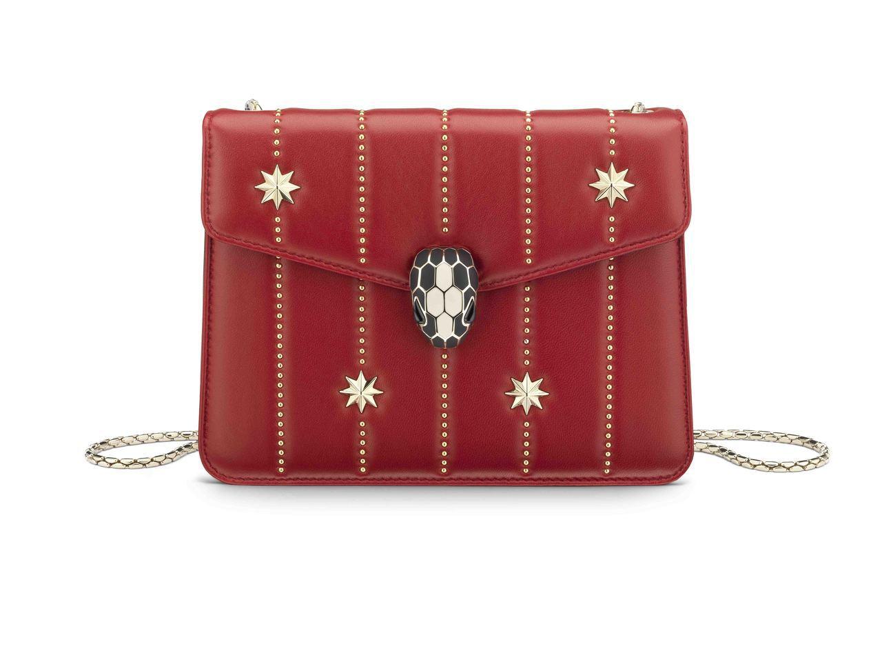 SERPENTI FOREVER冬季佳節系列紅寶色小羊皮肩背包,約75,500元...