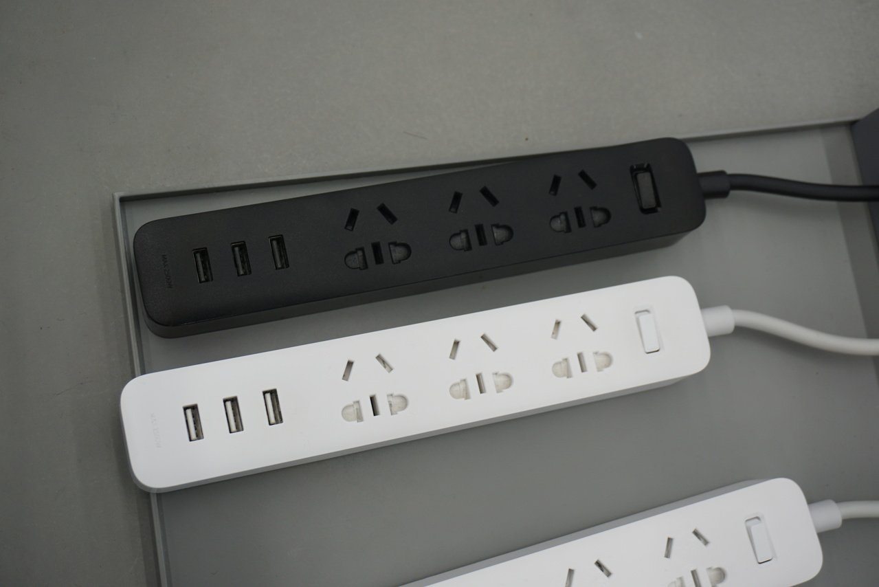 Top 5 小米插線板,含3個USB 2A快充。記者黃筱晴/攝影