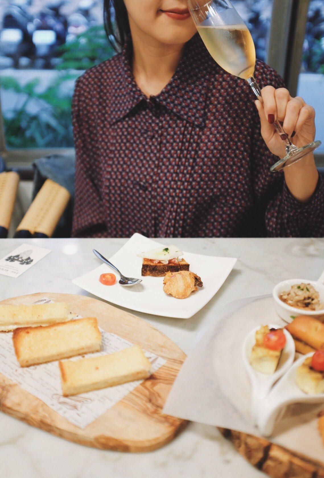 香檳適於搭配各式甜鹹點,艾瑞克羅德茲(Eric Rodez)認為就連台灣美食也很...