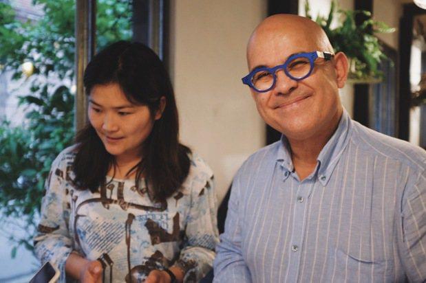釀酒師艾瑞克羅德茲(Eric Rodez)大方分享釀酒瘋狂史。記者沈佩臻/攝影