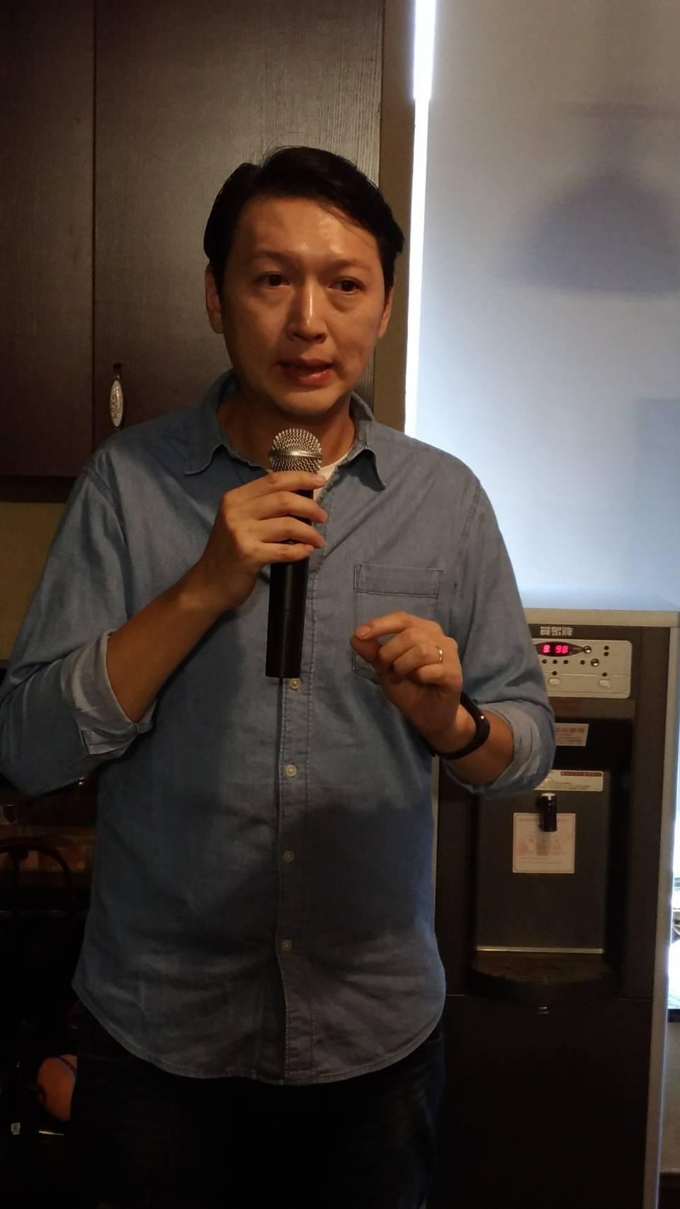 小米台灣總經理李佳峰表示,明年來台擴大展店,由四家倍增至十家,大舉來台展店挹注,...