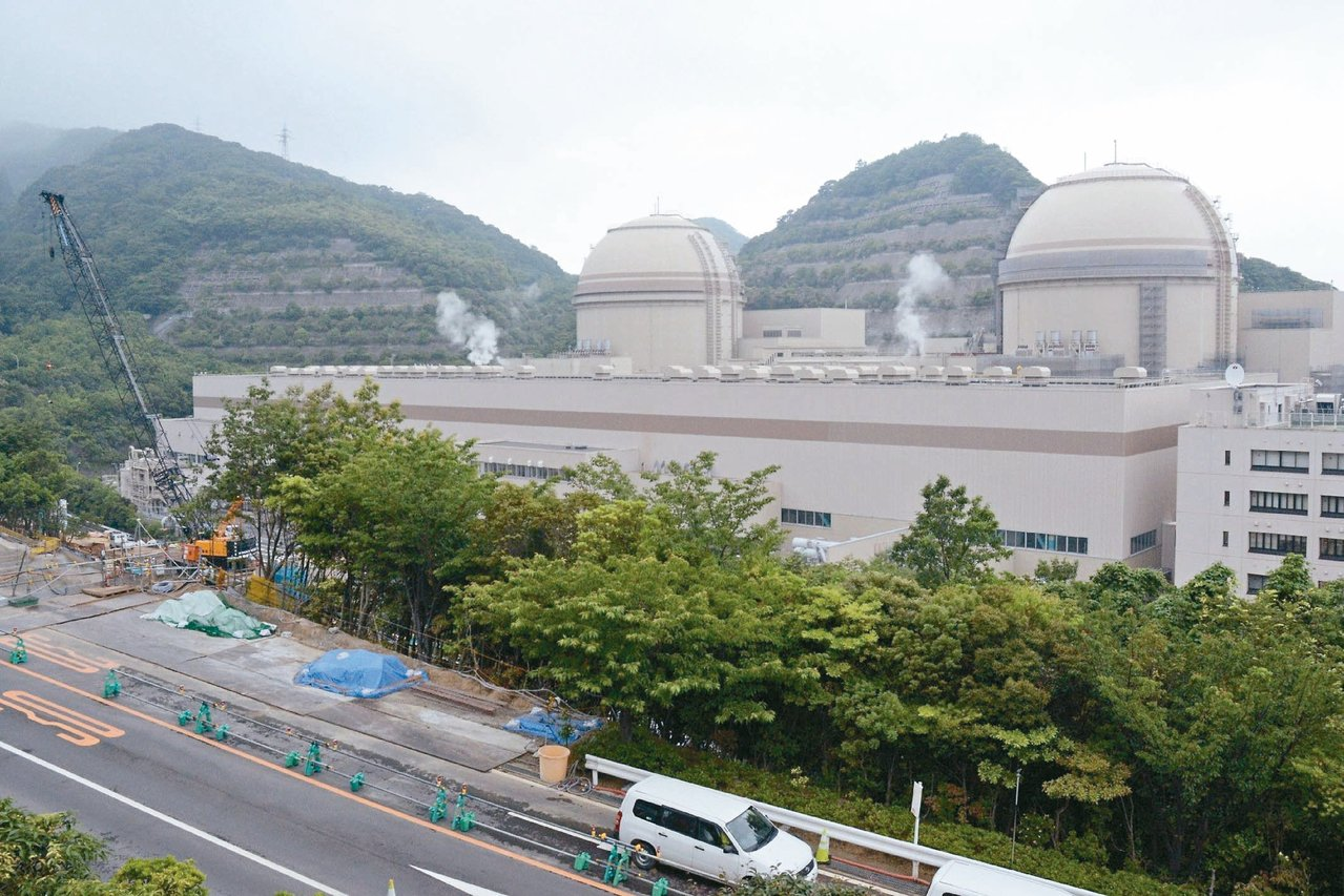 日本福井縣知事西川一誠昨天宣布,同意關西電力公司大飯核電廠三、四號機重啟運作;電...