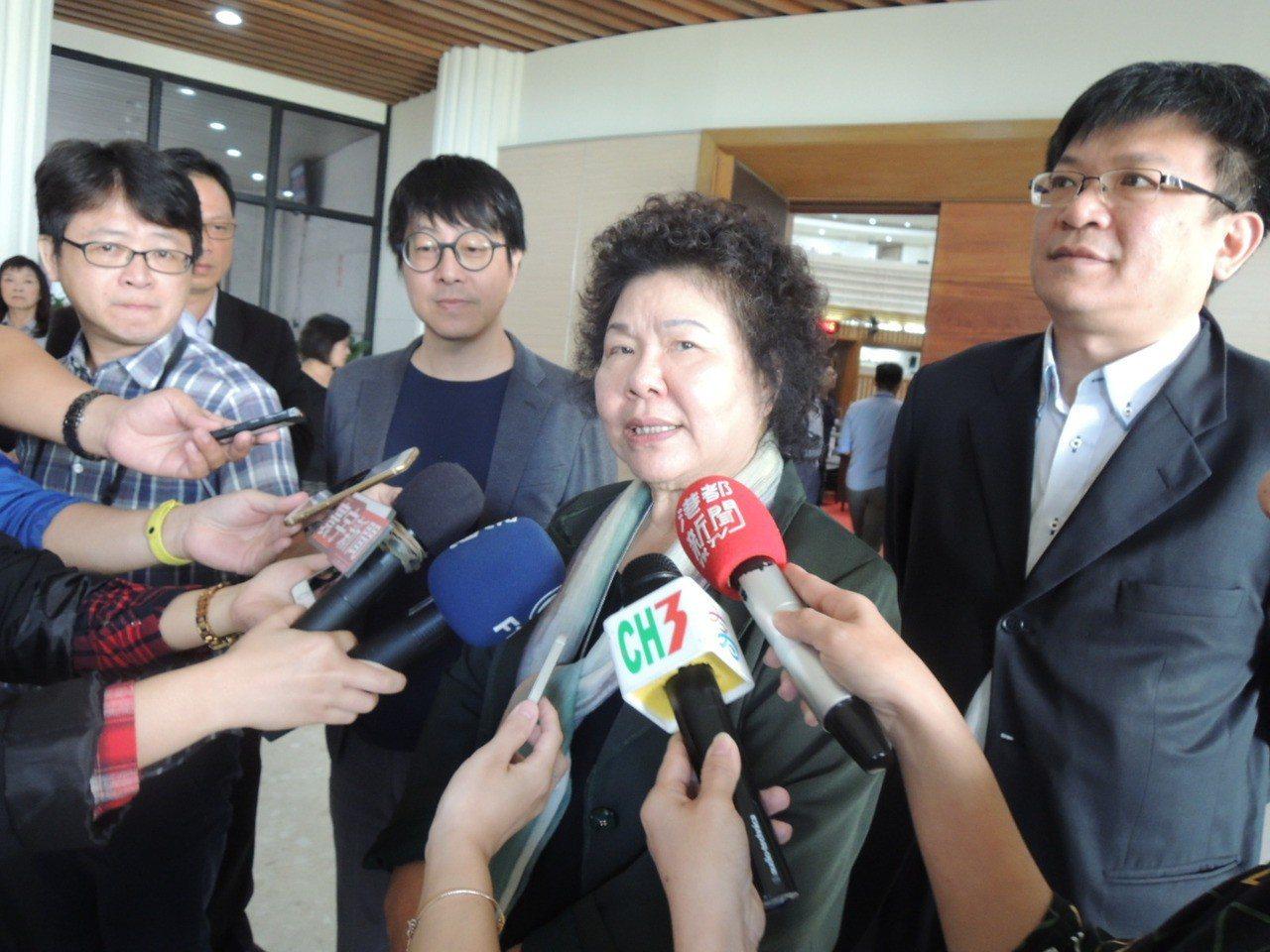 民進黨高雄市長黨內初選首場辯論會日前落幕,市長陳菊昨說,她贊成繼續舉辦辯論會。 ...