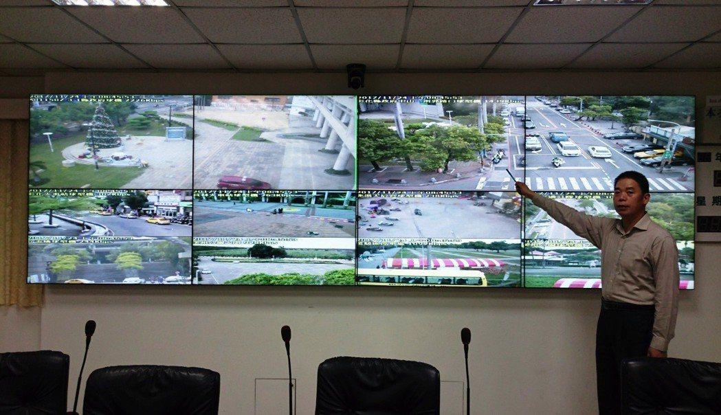 彰化縣在全縣建置路口監視器「天網」,縣警警勤務中心幾乎可以完全掌握各地路況。 記...