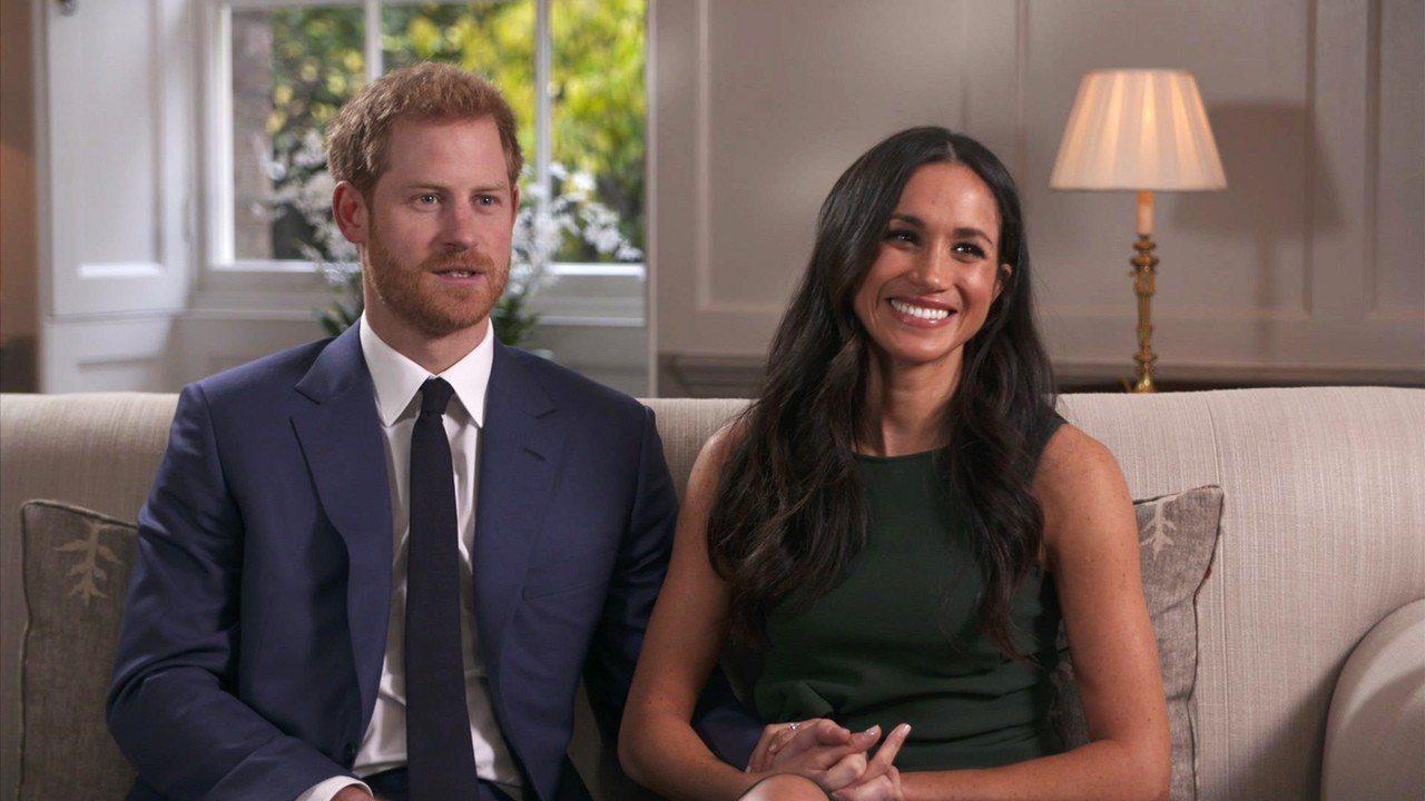 英國哈利王子與未婚妻美國女星梅根馬克爾。美聯社。