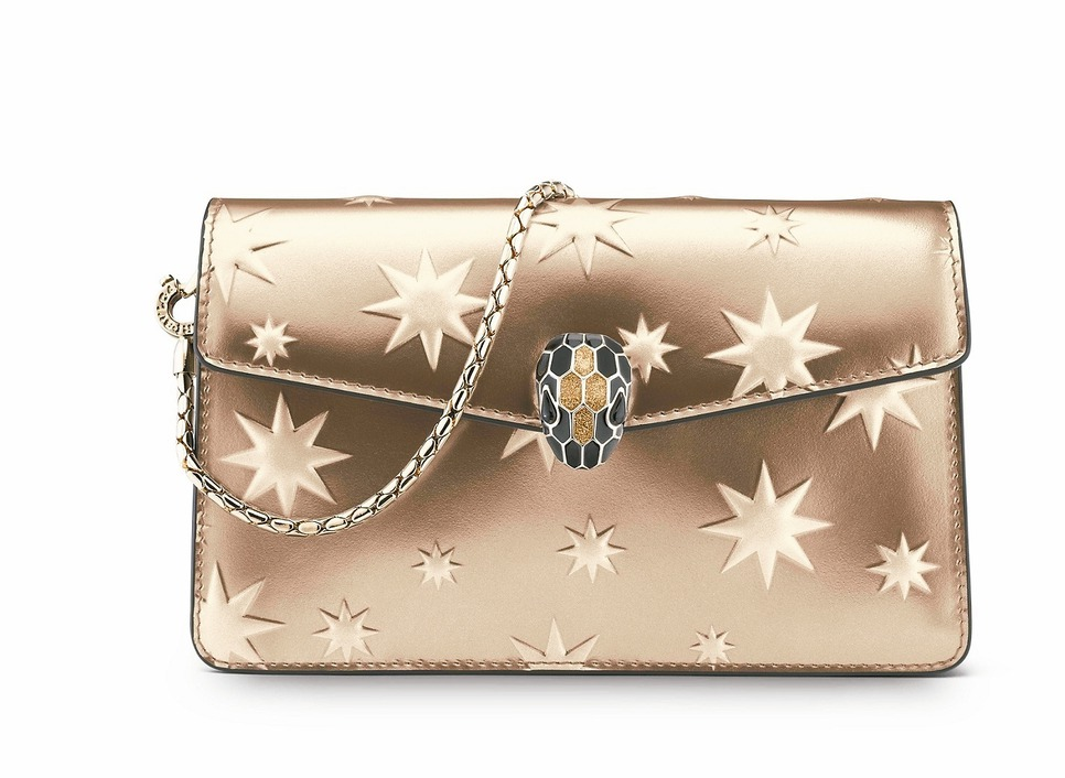 SERPENTI FOREVER冬季佳節系列古銅色金屬迷你包,約3萬900元。