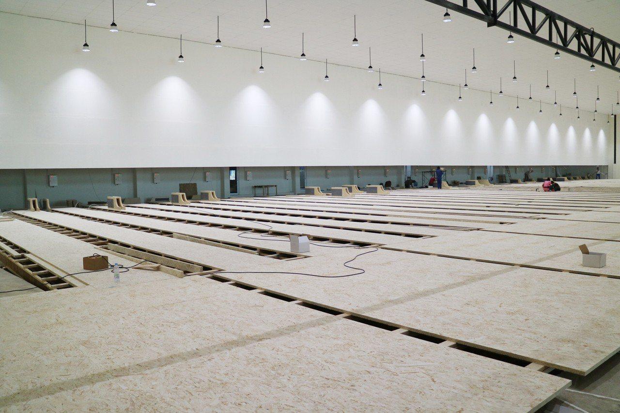2018亞運將在印尼首都雅加達舉行,目前保齡球比賽場館主建築接近完工,但包括內部...