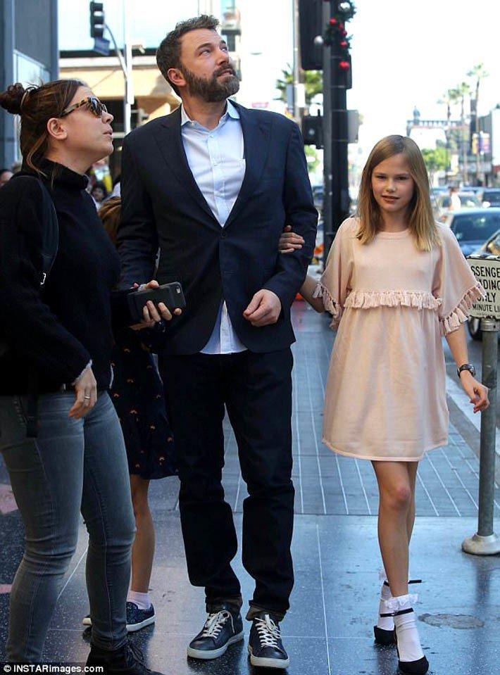班艾佛列克和女兒Violet Affleck。。圖/擷自每日郵報