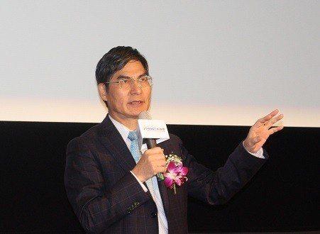 科技部長陳良基表示,藉著鏈結法人機構研發單位的技術,將加速科研產業化的發展,估計...