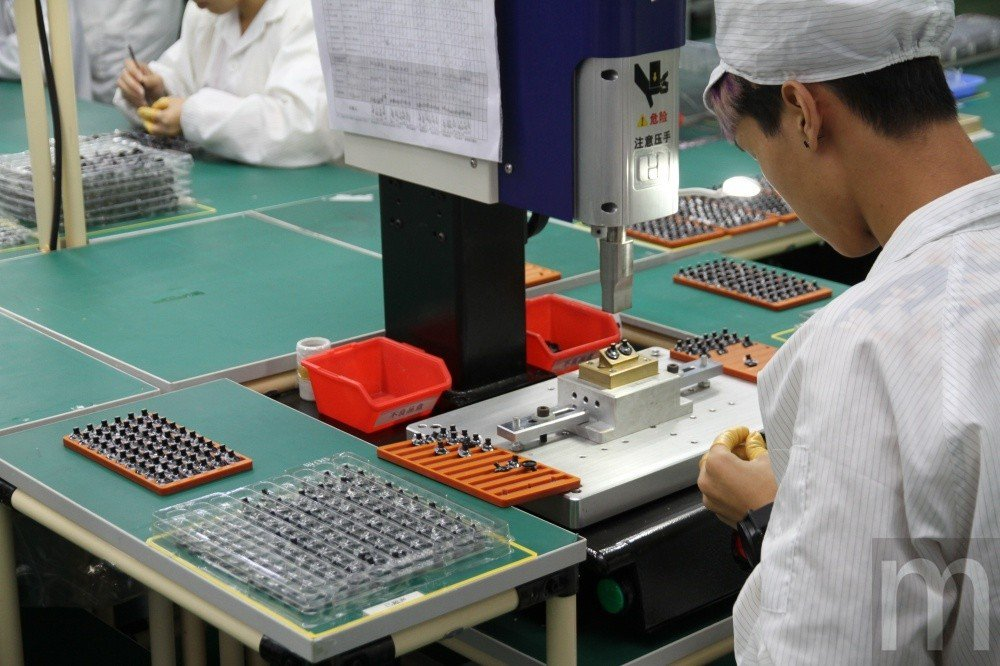 將先前流程CNC加工零件進行組裝