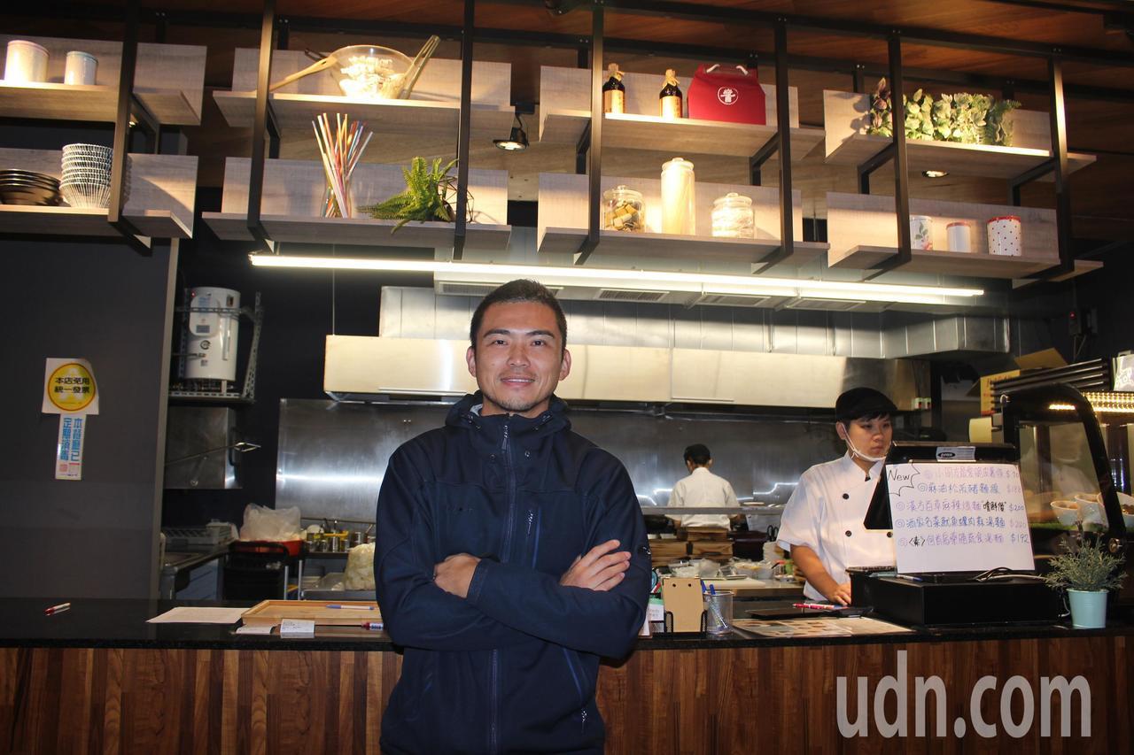 建設公司總經理鄭釗學為支持台灣麵食,傳承台灣麵食好味道。記者張雅婷/攝影