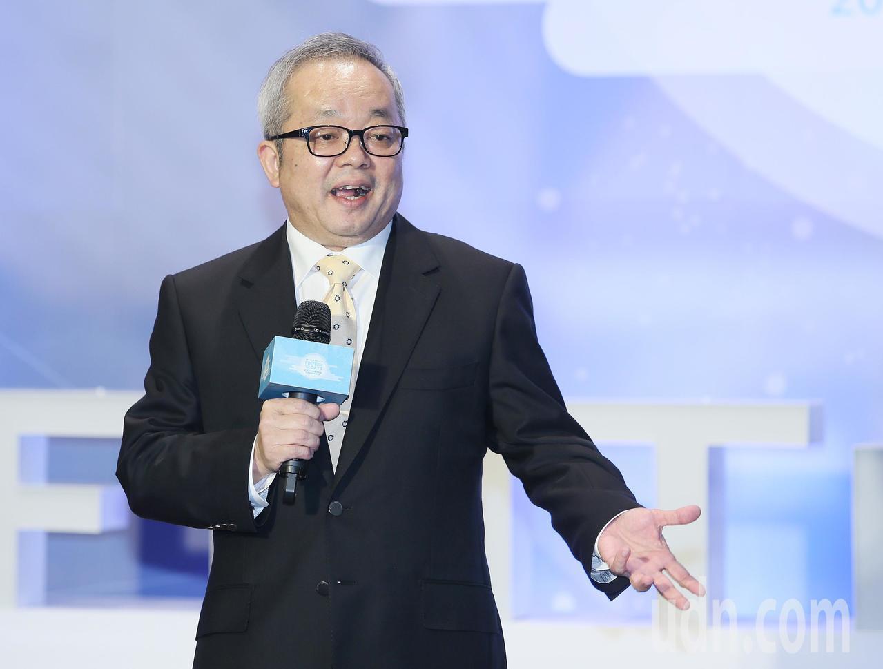 台灣金融研訓院上午舉辦金融科技前瞻高峰會,行政院副院長施俊吉表示,明年將辦屬於台...