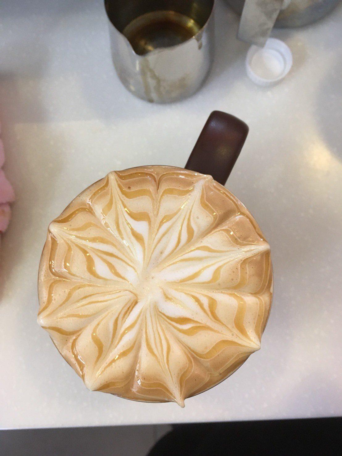 五星咖啡師江怡臻作品。圖/台灣麥當勞提供