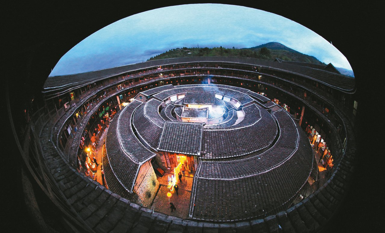 「土樓王」承啟樓,是圈數、居住人口最多的土樓。 圖/林如建提供