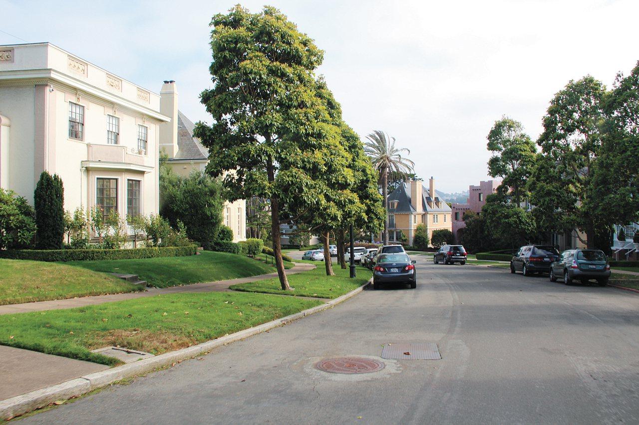 華人買下舊金山豪宅街拍賣,市議會推翻。記者趙元良攝影