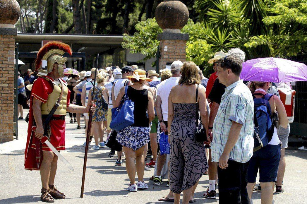 羅馬副市長貝爾加莫認為,比起那些帶來景觀破壞的售票設施,羅馬真正需要的是更彈性的...