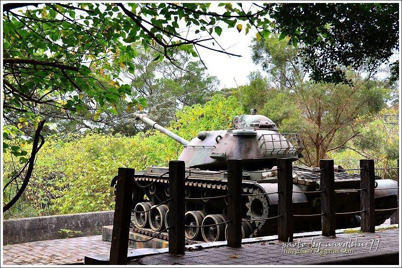 ↑鳳崎步道入口對面有一輛國軍退役的M48-A3坦克車。