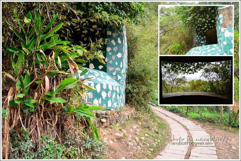 ↑鳳崎山原先有國軍駐守,目前還保留碉堡與坑道,步道旁的這座碉堡還可以進入小探險一...