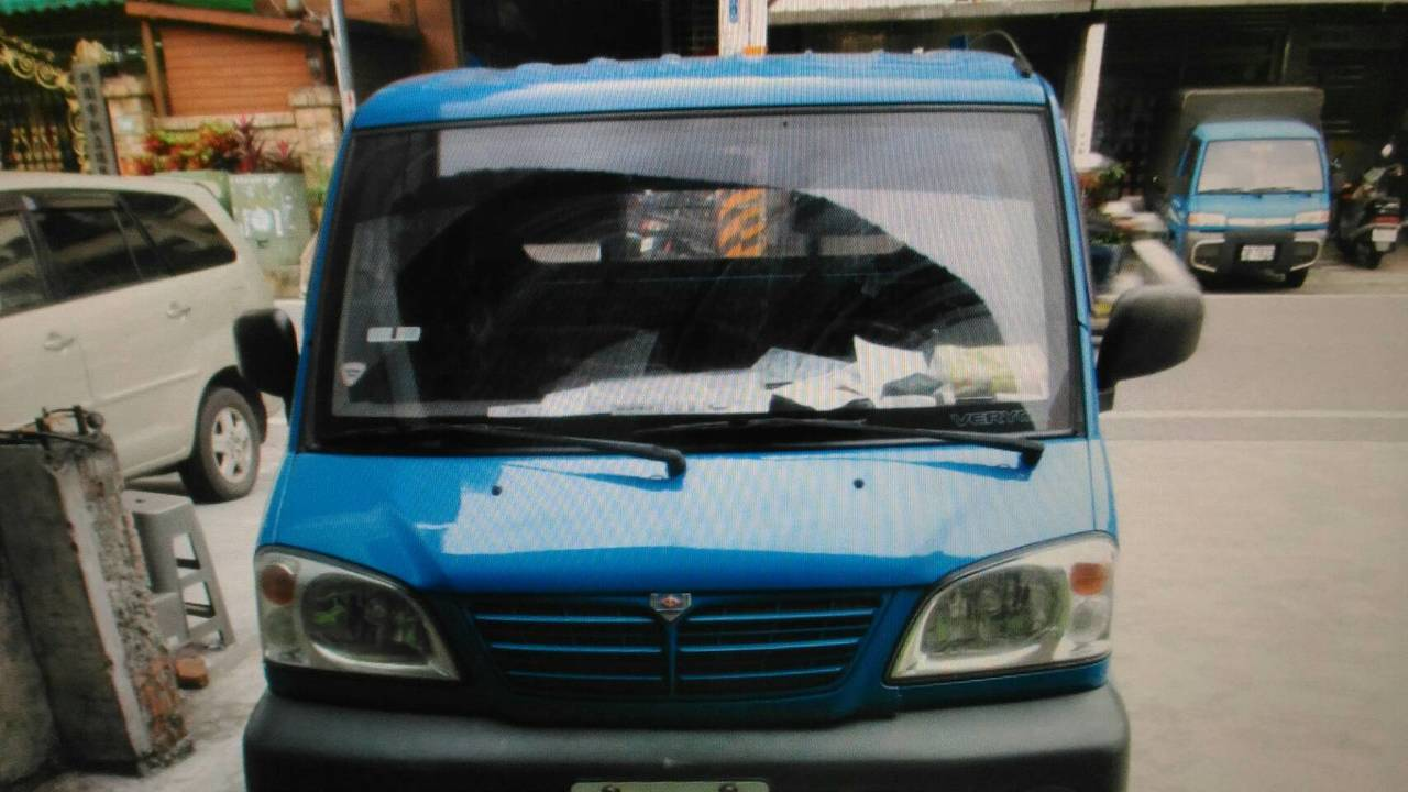 桃園市一名國小男童要往安親班途中遭小貨車撞擊,傷重死亡。圖/警方提供