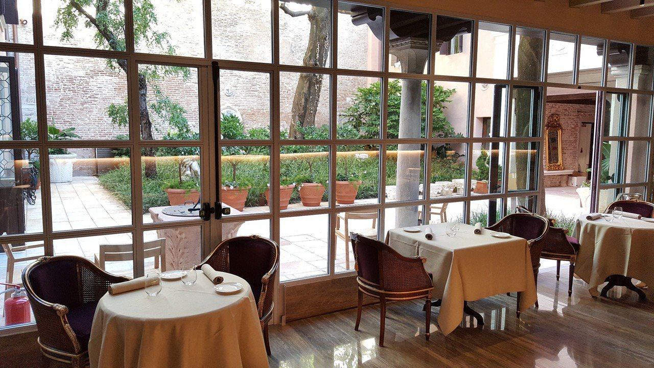 義大利米其林指南本月公布,雲朗觀光集團位於威尼斯的飯店「雲水之都」GLAM獲米其...