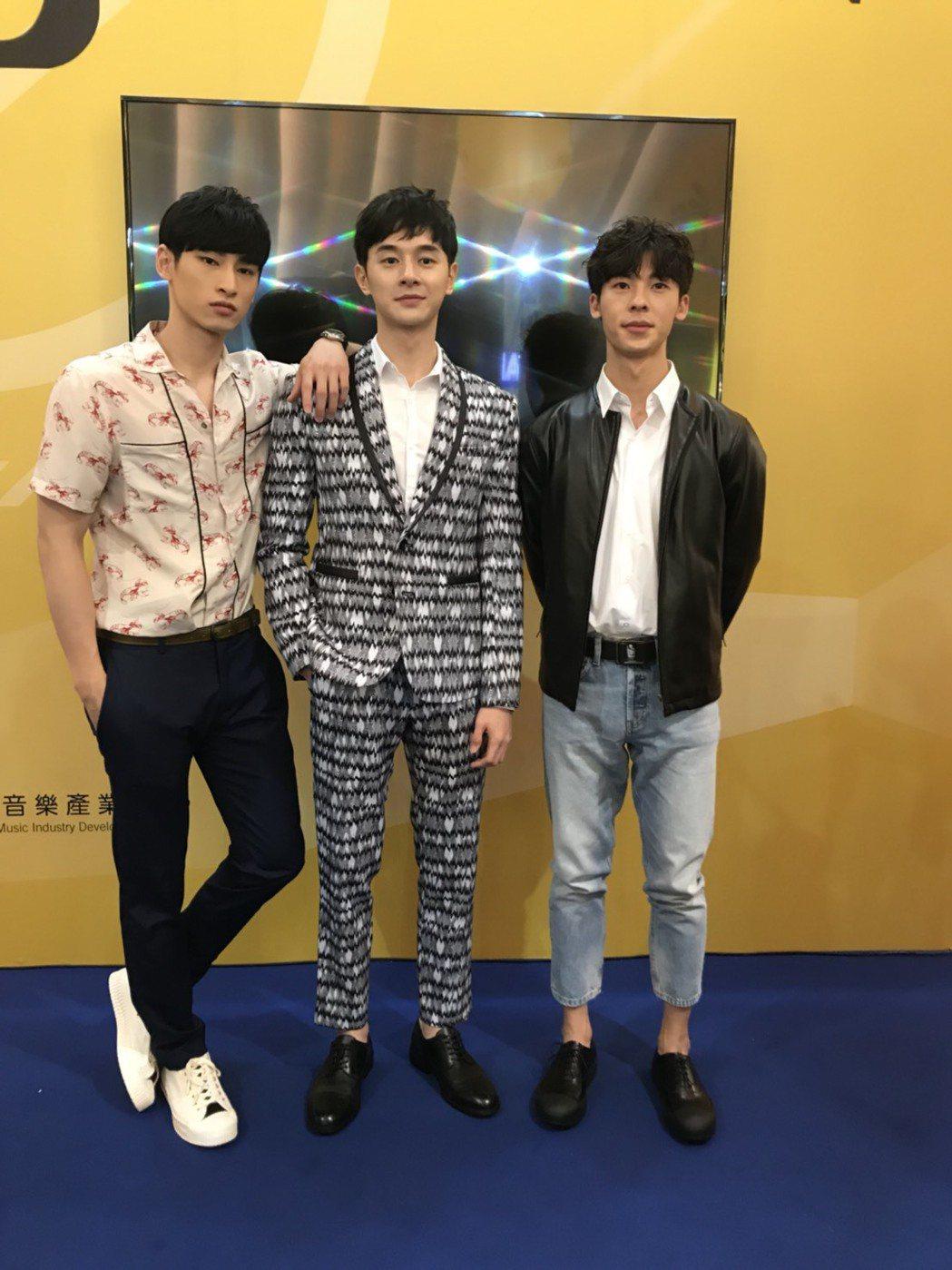 章廣辰(左起)、張軒睿、許光漢出席新加坡電視節。圖/八大提供
