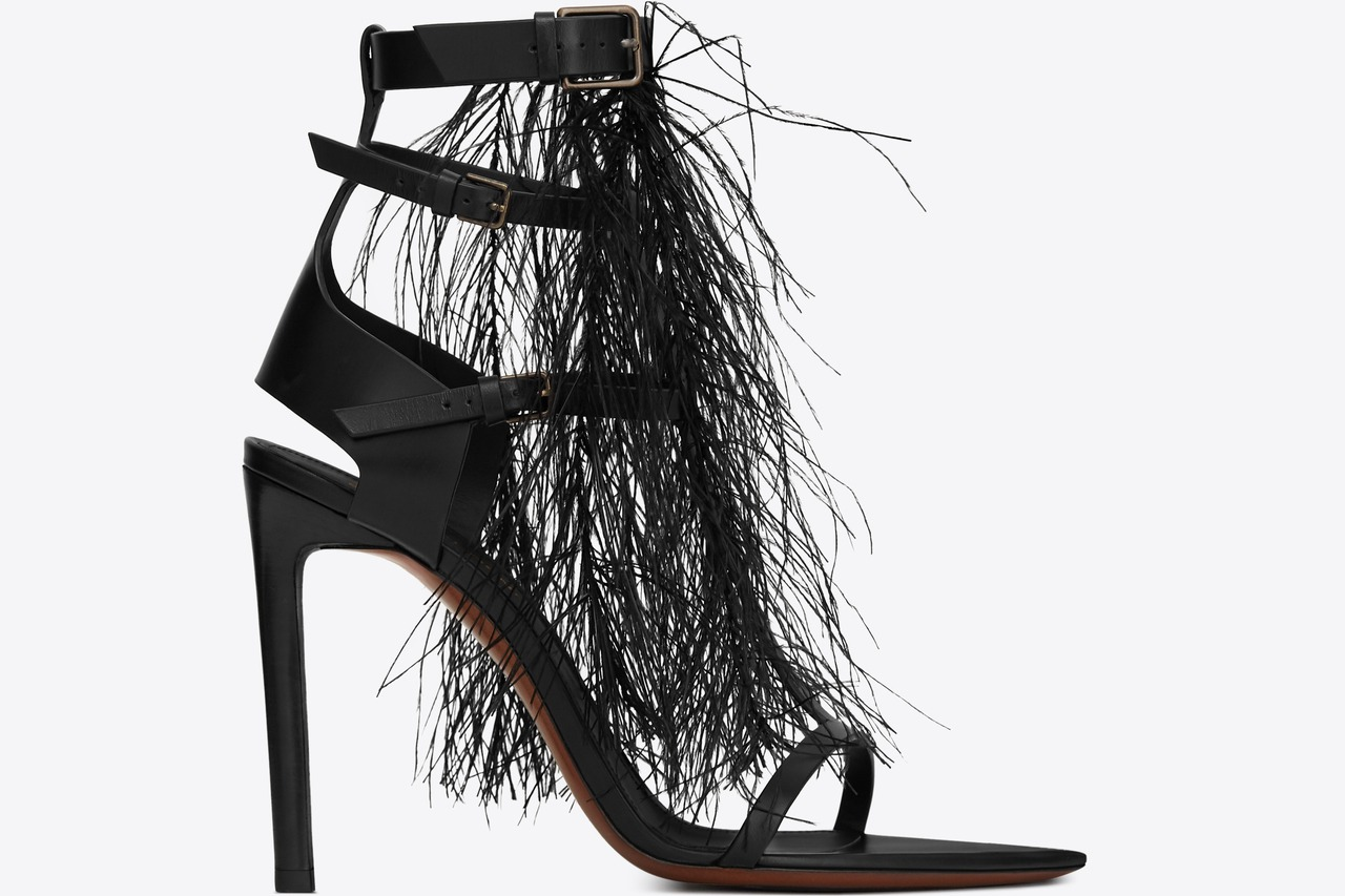MAJORELLE 羽毛中筒高跟涼鞋,價格電洽。圖/Saint Laurent提...