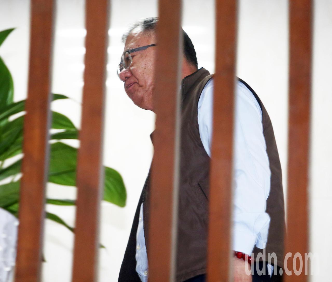 台北地檢署偵辦三中案傳喚中時集團前董事長余建新出庭,訊後請回。記者陳柏亨/攝影