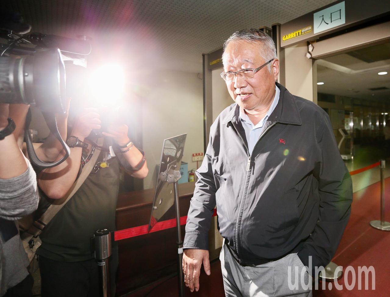 台北地檢署偵辦三中案傳喚中影董事長郭台強出庭,訊後請回。記者陳柏亨/攝影