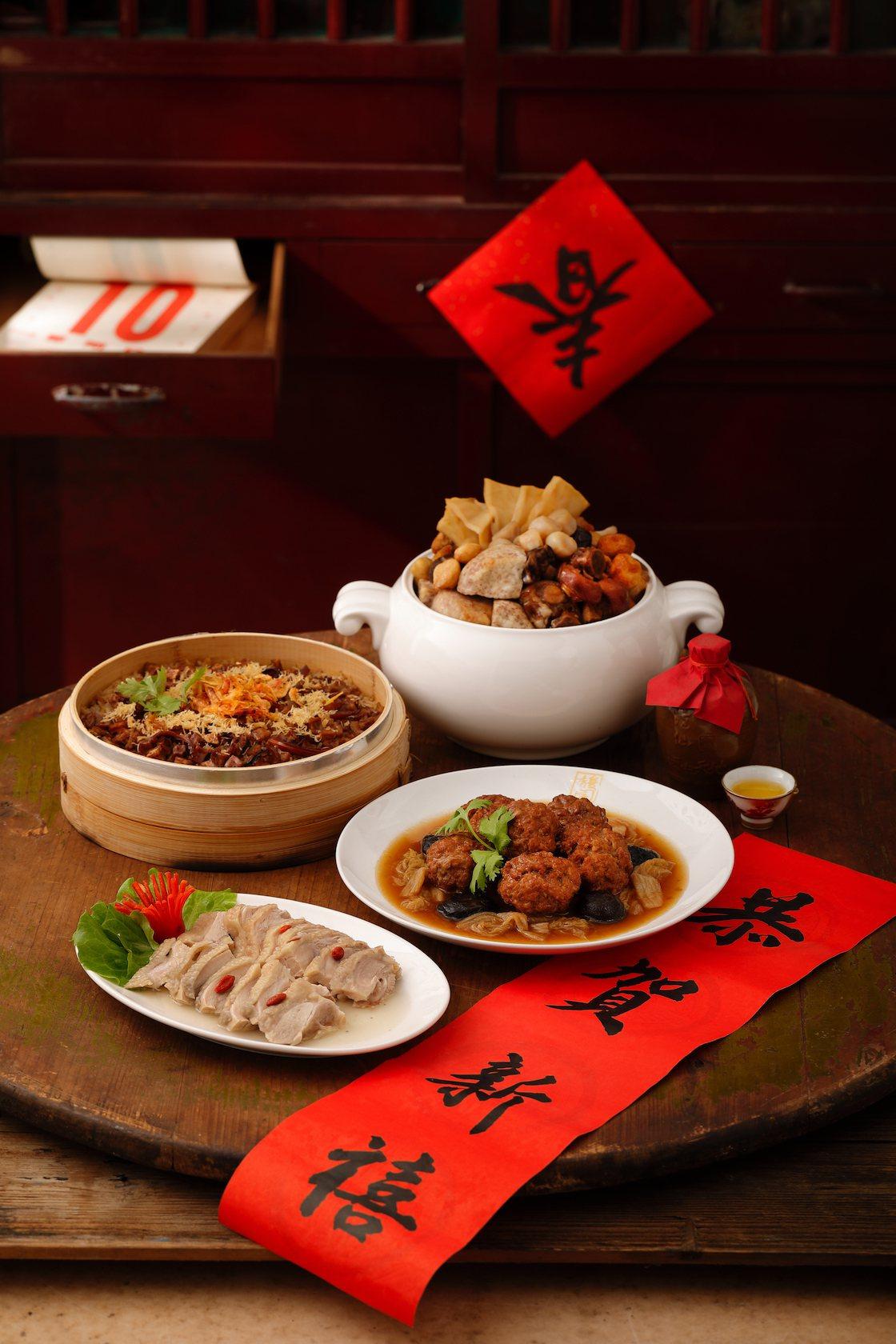 A組有珍品佛跳牆、干貝櫻花蝦油飯等佳餚,每套2,388元。