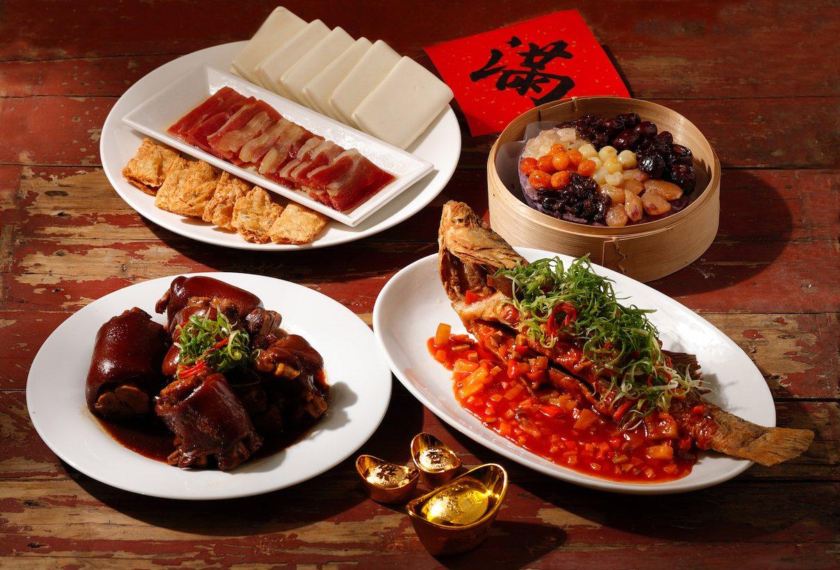 B組包含有糖醋海鱸魚、鴻運富貴滷香蹄等料理,每套2,388元。