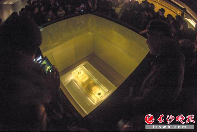 湖南省博物館新館29日正式開放,千年不朽的東方睡美人辛追夫人再度回歸公眾面前。 ...