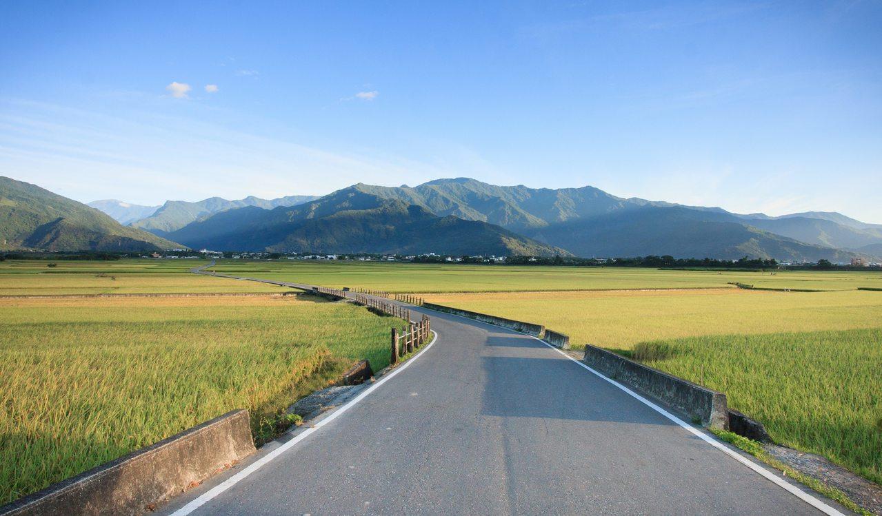 擁有未經破壞的自然山林、還有溫泉、寺廟及海上活動等觀光特色,「台灣台東」的多元魅...