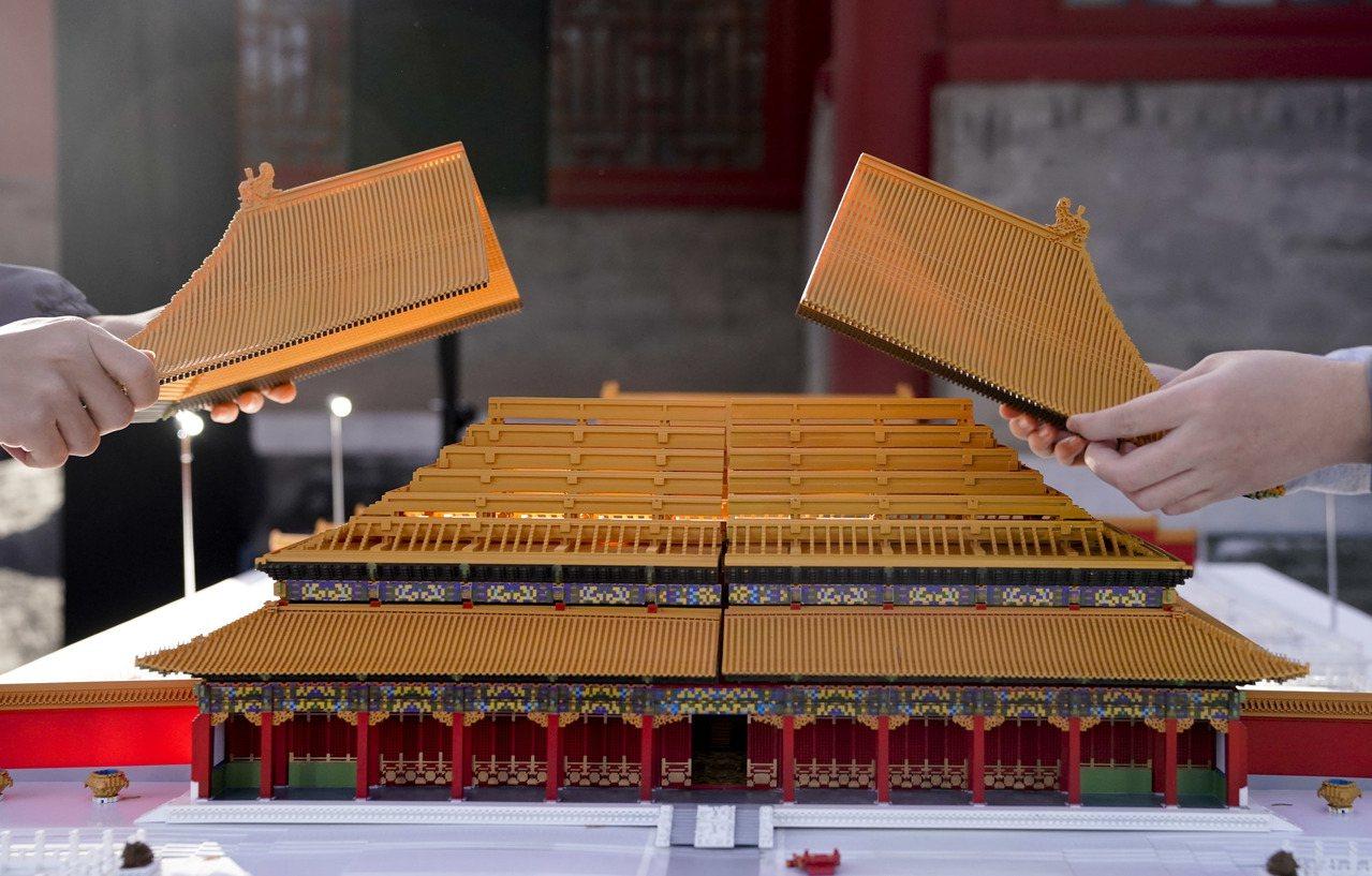 主題為「傳統文化×未來想像」的「文化+科技」國際論壇在北京故宮博物院舉辦,論壇期...