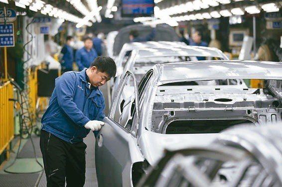 南韓央行今(30日)宣布調升基準利率一碼,由1.25%調高至1.5%,創2011...