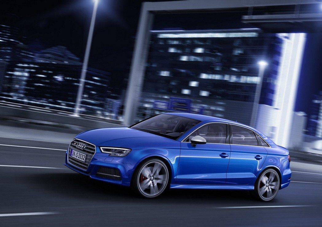 台灣奧迪正式宣布全新Audi S3 Sedan四門跑房車、S3 Sportback運動掀背跑旅在台上市。 圖/台灣奧迪提供