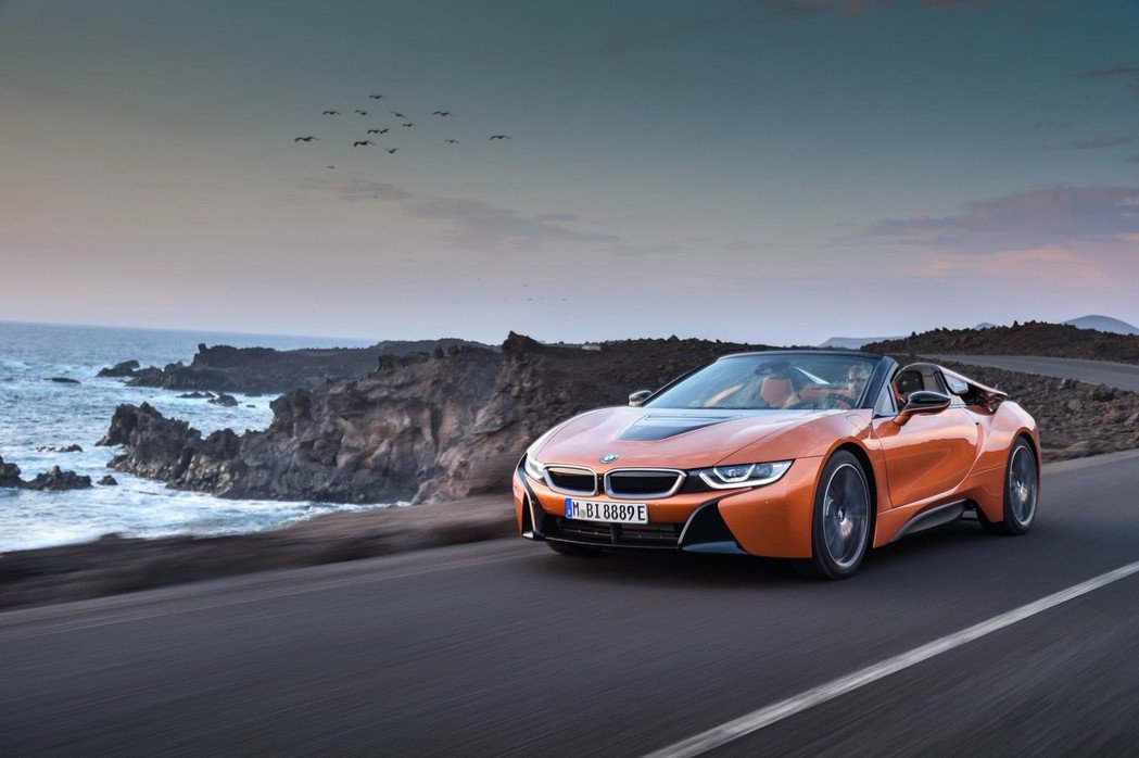 全新BMW i8 Roadster終於發表。 摘自BMW