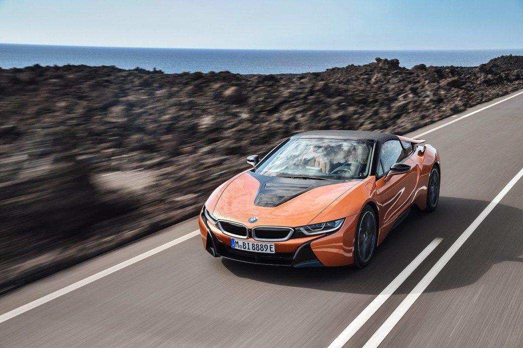 全新BMW i8 Roadster。 摘自BMW