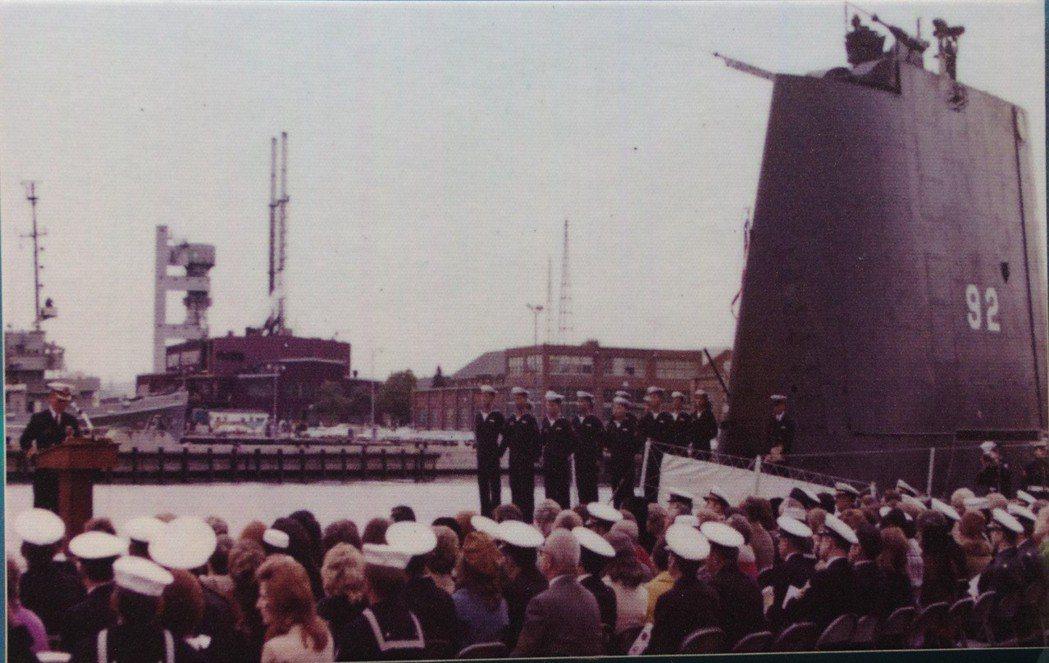 海豹號潛艦在美國接收成軍,當時舷號為92,現在是792。 記者程嘉文/翻攝