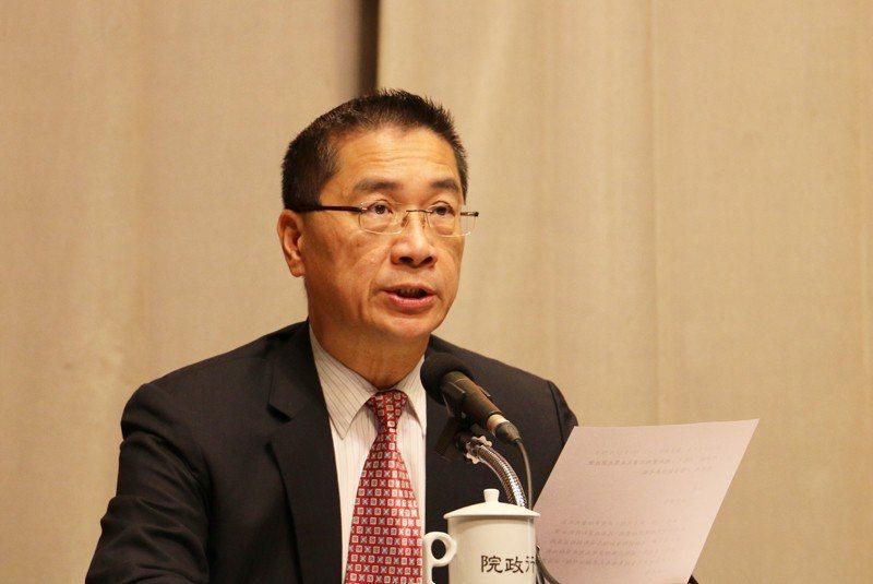 行政院發言人徐國勇在院會記者會受訪時則滅火表示,礦業法下週院會將提送討論通過後,...