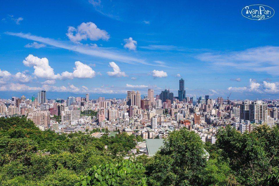 高雄是一座濱海的美麗城市,也有「港都」之別稱。(Flickr授權作者-Sheng...