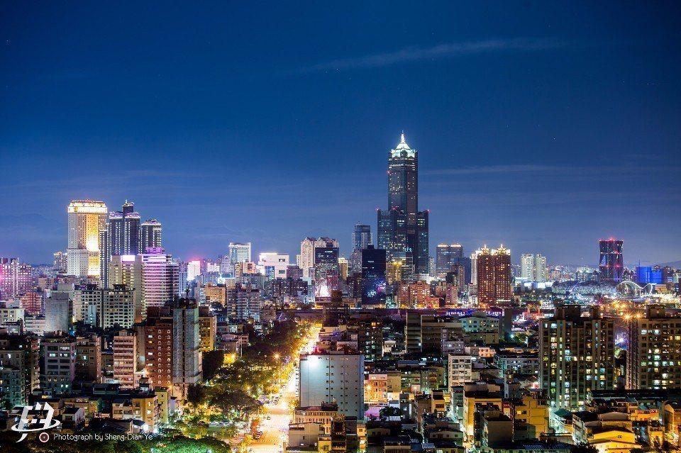絢麗繁華的高雄夜景。(Flickr授權作者-昇典葉)