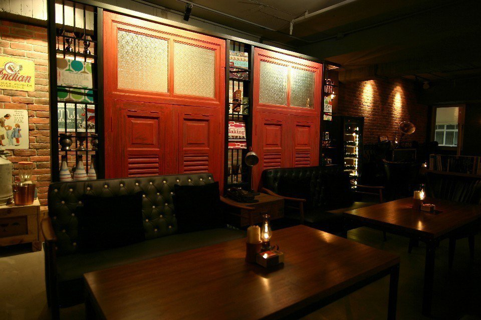 隱身旅店的Inn Bistro餐酒館,帶有工業風和美式復古氛圍。(圖片提供/佳適...