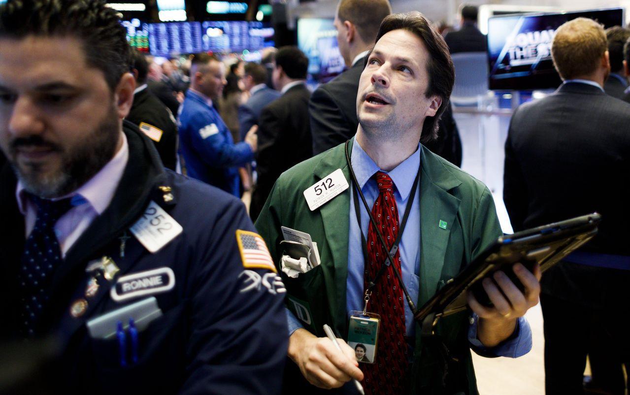 今年全年一直在領漲的四大科技股創出22個月最大的跌幅。標普500半導體股指數的1...
