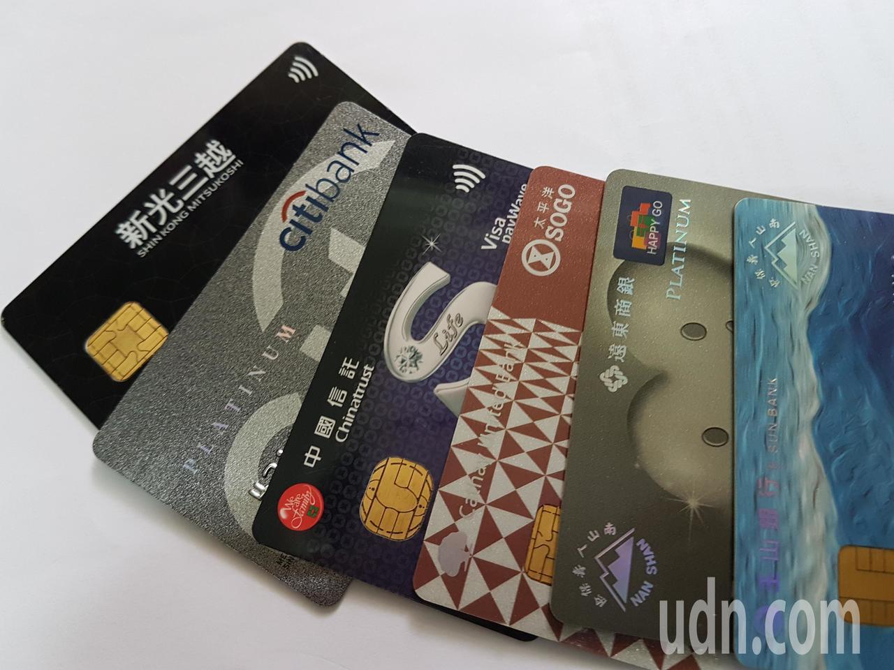 富邦人壽開放網路投保可刷卡支付,保戶單日即刷破1000萬元。記者孫中英/攝影