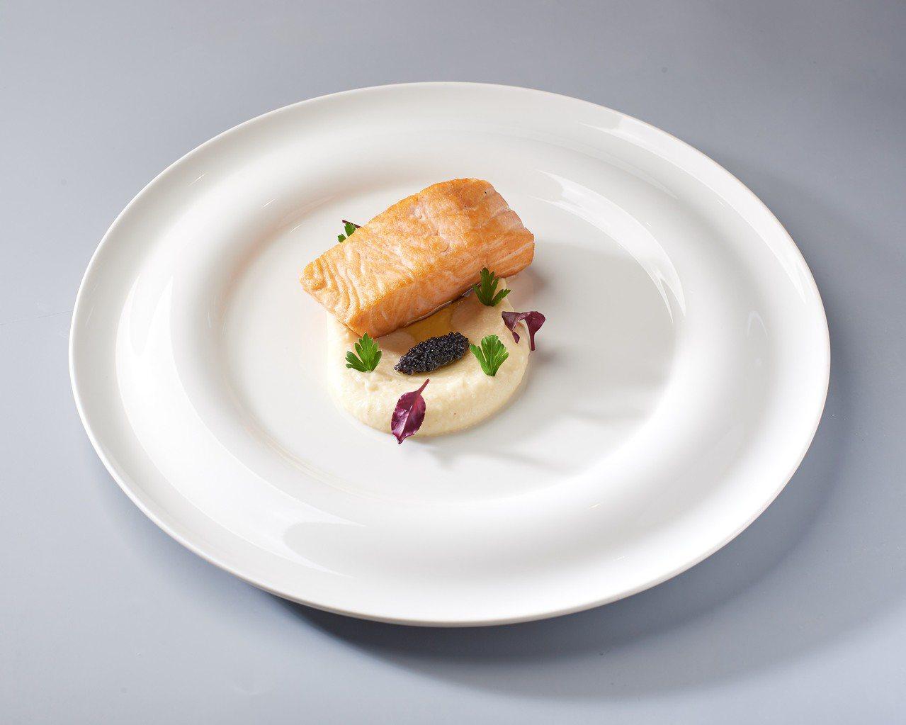 爐烤鮭魚。圖/新光三越提供